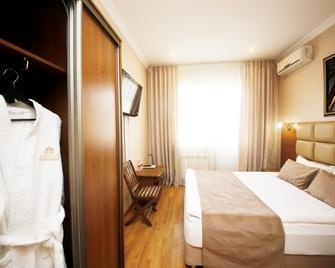 Guest House Amigo - Tuapse - Schlafzimmer