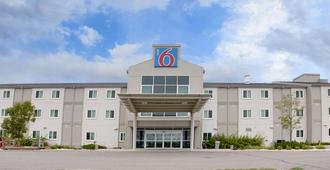 Motel 6 Brandon Mb - Brandon - Edificio
