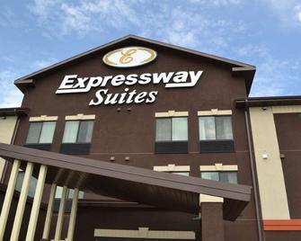 Expressway Suites of Grand Forks - Grand Forks - Edificio