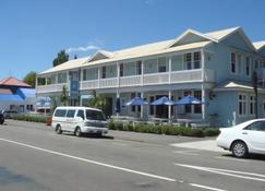 The White Swan Country Hotel - Greytown - Building