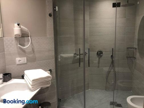 Hotel Ariston - Varazze - Bathroom