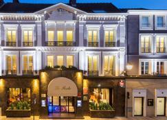 Best Western Premier Hotel de la Poste & Spa - Troyes - Building