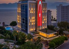 Oz Hotels Antalya Hotel Resort & Spa - Antalya - Gebäude