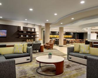 Courtyard by Marriott Ewing Princeton - Ewing - Obývací pokoj