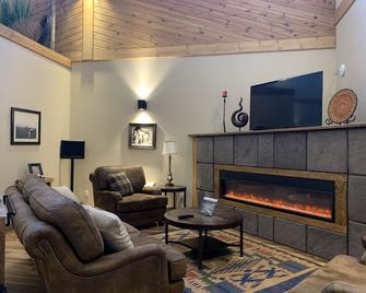 Bowman Lodge & Convention Center - Bowman - Living room