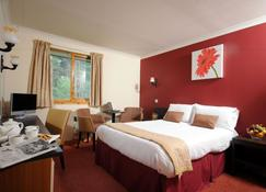 Highlander Hotel - Newtonmore - Bedroom
