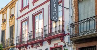 هوستال سان كيتانو - روندا - مبنى