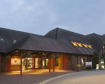 Ramada by Wyndham Telford Ironbridge - Telford - Building