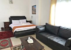 Knights Ko Suites - Tagaytay - Bedroom