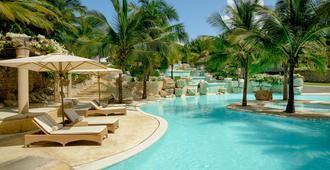 Swahili Beach Resort - Mombasa
