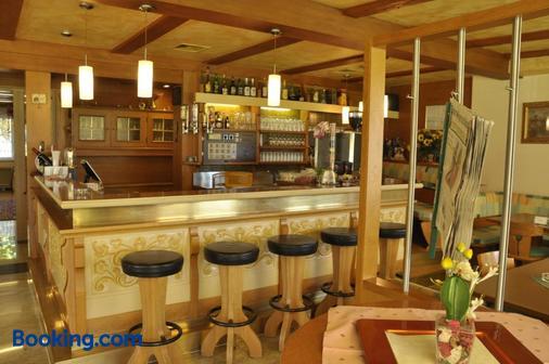 Hotel Martina - Telfs - Bar