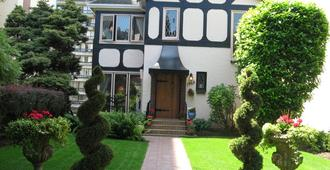 English Bay Inn Bed And Breakfast - Ванкувер - Здание