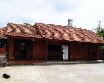Nui Tuong Village Stay - Ta Lai - Building