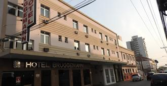 Hotel Bruggemann - פלוריאנופוליס - בניין