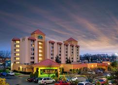 La Quinta Inn & Suites by Wyndham Tacoma - Seattle - Tacoma - Rakennus