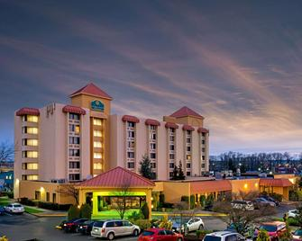 La Quinta Inn & Suites by Wyndham Tacoma - Seattle - Tacoma - Gebäude