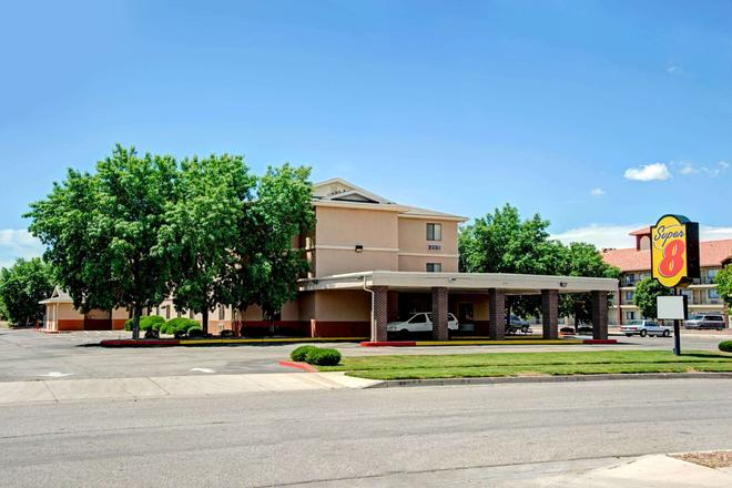 Super 8 by Wyndham Albuquerque West/Coors Blvd - Albuquerque - Bygning