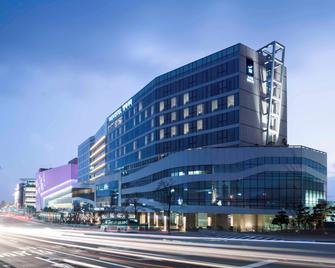 Novotel Ambassador Suwon - Suwon - Building