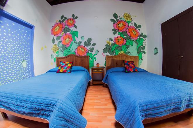 Gente de Más Hostel - Puebla City - Bedroom