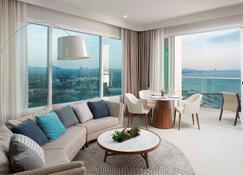 White Sand Beach Residences Pattaya - Ban Klongnamchai - Wohnzimmer