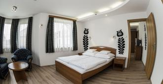 City Hotel Szeged - Szeged - Bedroom