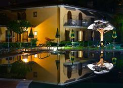 Hotel Sovestro - San Gimignano - Building