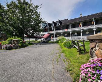 Auberge Lakeview Inn - Lac Brome - Building