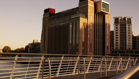 Crowne Plaza Newcastle - Stephenson Quarter - Newcastle upon Tyne - Building