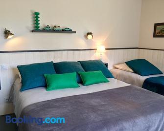 le grenier du jardin - Pontorson - Schlafzimmer