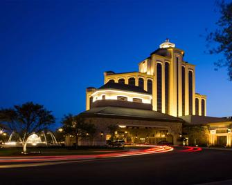 L'auberge Casino Resort Lake Charles - Lake Charles - Building