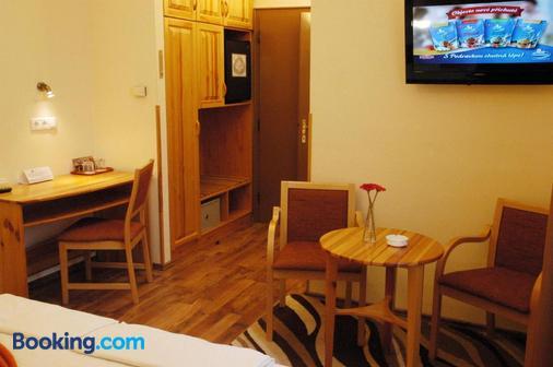 Hotel Manzard Panzio - Budapest - Dining room