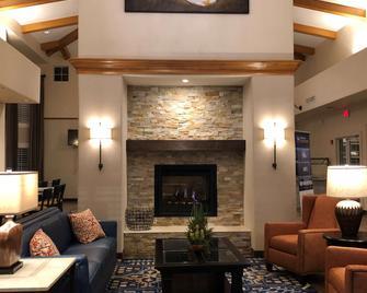 Best Western Plus A Wayfarer's Inn and Suites - Kingman - Lobby