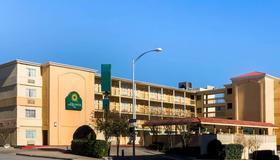 La Quinta Inn by Wyndham Austin Capitol / Downtown - Austin - Edificio