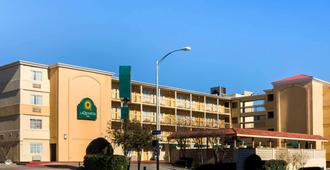 La Quinta Inn by Wyndham Austin Capitol / Downtown - Austin - Edificio