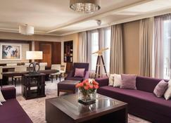 Sheraton Bratislava Hotel - Bratislava - Wohnzimmer