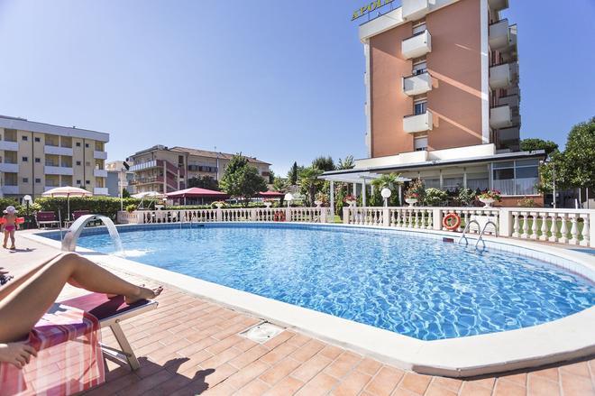 Hotel Apollo - Rimini - Bể bơi