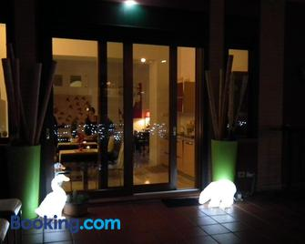 B&B Mini Hotel Incity - Salerno - Building