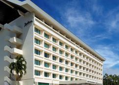 Radisson Hotel Brunei Darussalam - Bandar Seri Begawan - Gebouw