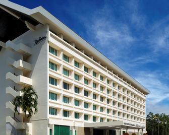 Radisson Hotel Brunei Darussalam - Bandar Seri Begawan - Building
