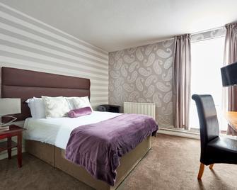 St James Hotel - Grimsby - Bedroom