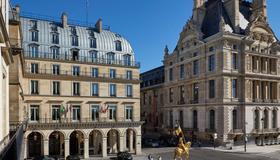 Hotel Regina Louvre - Pariisi - Rakennus