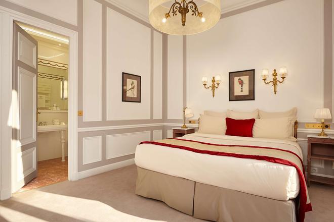 Hotel Regina Louvre - Pariisi - Makuuhuone