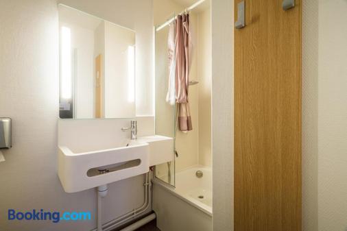 B&B Hotel Saint-Brieuc - Tregueux - Bathroom