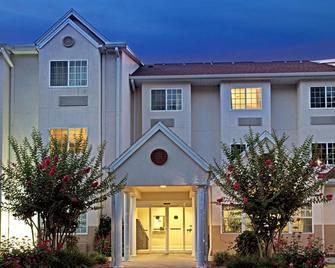 Microtel Inn & Suites by Wyndham Brooksville - Brooksville - Gebouw