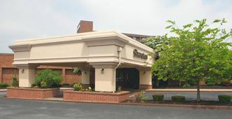 โรงแรมเชอราตัน แฮร์ริสเบิร์ก เฮอร์ชีย์ - แฮร์ริสเบิร์ก