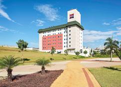 ibis Londrina Shopping - Londrina - Edifício