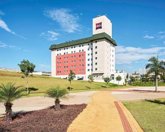 ibis Londrina Shopping - Londrina - Building