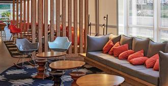 ibis Londrina Shopping - Londrina - Sala de estar