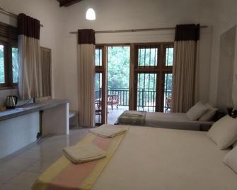 Mansala Safari House - Udawalawa - Slaapkamer