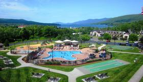 Holiday Inn Lake George Turf, An IHG Hotel - Lake George - Pool